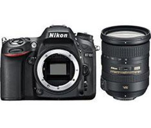 Nikon D7100 + 18-200mm VR II