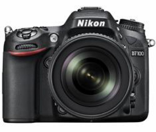 Nikon Nikon D7100 + 18-105mm VR